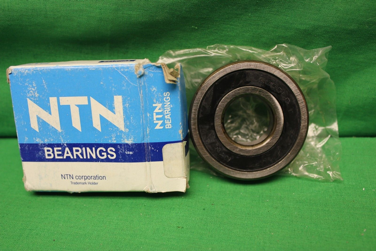 high temperature NTN Bearings New Single Row Ball Bearing 6305C3 USA